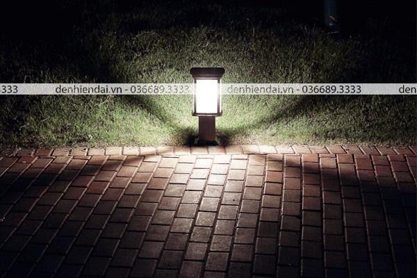 Nên lưu ý khả năng chiếu sáng, phạm vi chiếu sáng và khả năng kháng bụi, kháng nước của đèn.